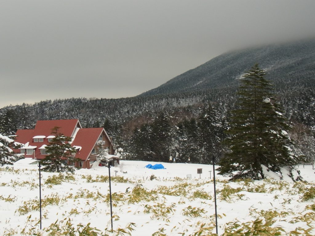 素朴で温かな山小屋